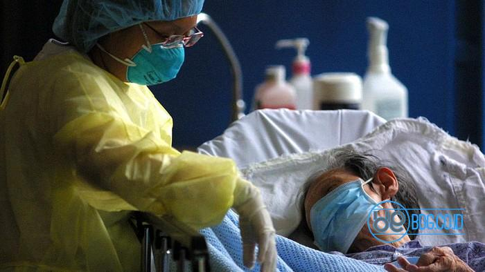 Singapura melaporkan permasalahan tanda-tanda berat dan angka pasien Corona rawat inap meningkat beberapa hari terakhir. Ratusan orang terinfeksi dari klaster perkantoran hingga asrama.